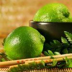 limones en agua para las energias