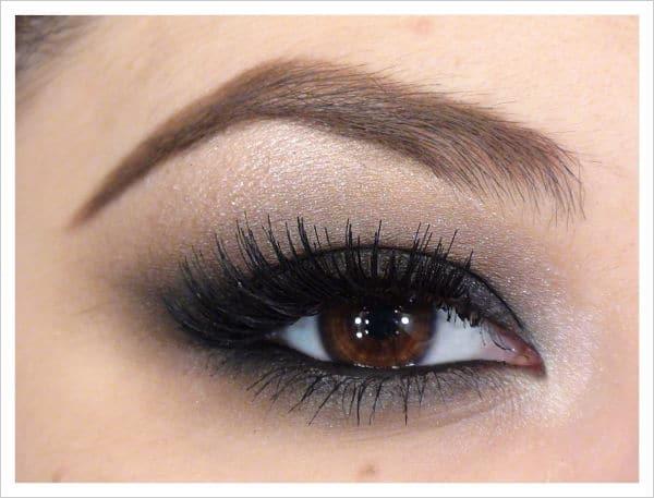 maquillaje de ojos oscuros