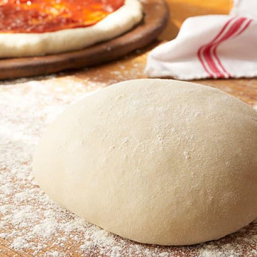 ¡Aprender hacer una deliciosa receta de masa de pizza italiana!